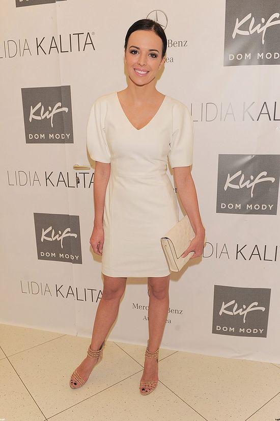 Białe sukienki gwiazd na pokazie kolekcji Lidii Kality