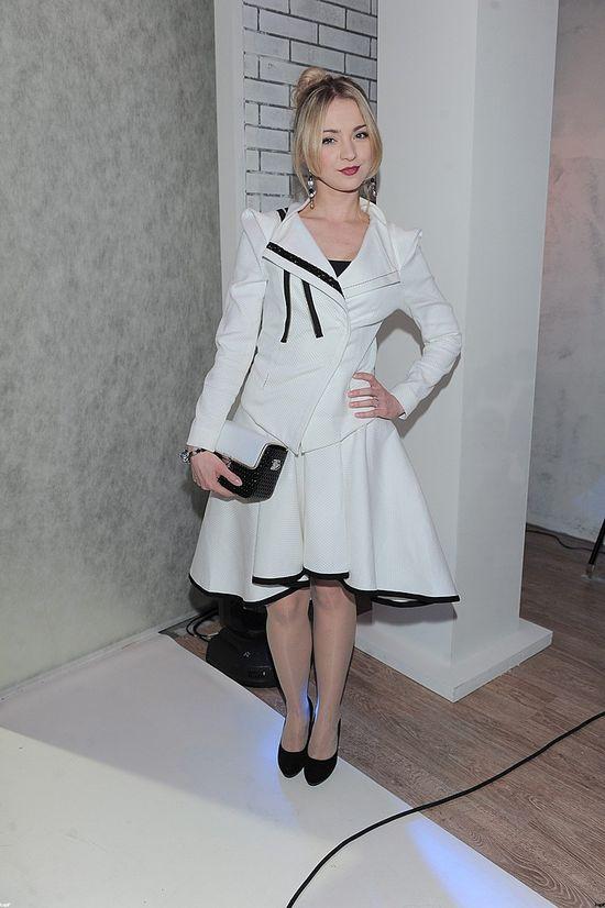Barbara Kurdej-Szatan tym razem w bieli (FOTO)