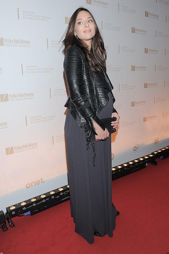 Anna Czartoryska w ciążowej sukni na czerwonym dywanie