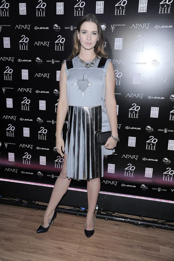 Karolina Malinowska w sukience, którą gdzieś już widziałyśmy