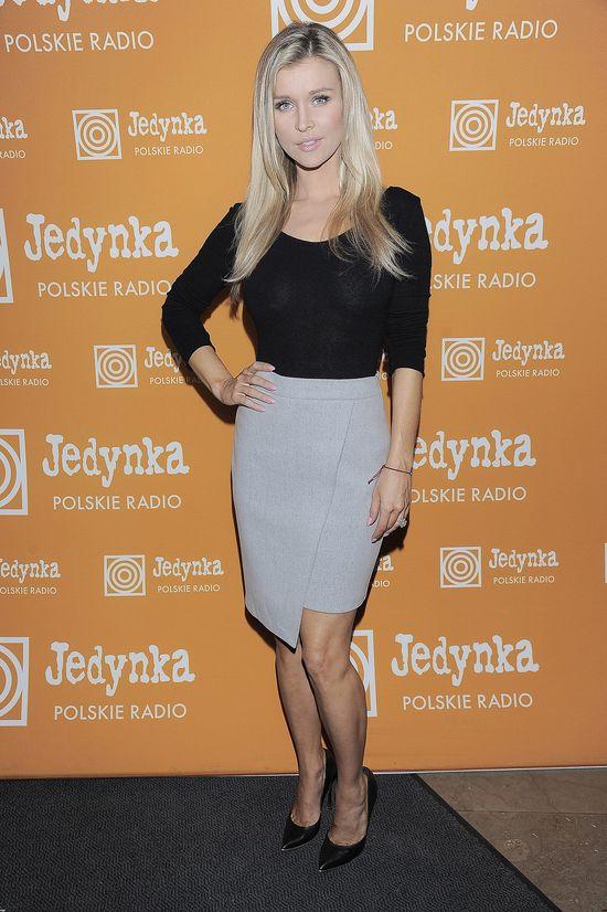 Sprytna Joanna Krupa - niby elegancka a piekielnie seksowna!
