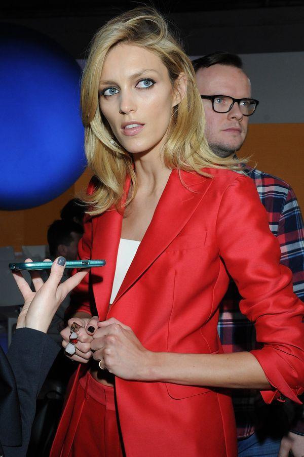 Anja Rubik pokazała zdjęcie w długich włosach (FOTO)