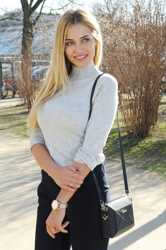 Charlize Mystery vs Rozalia Mancewicz (SONDA)
