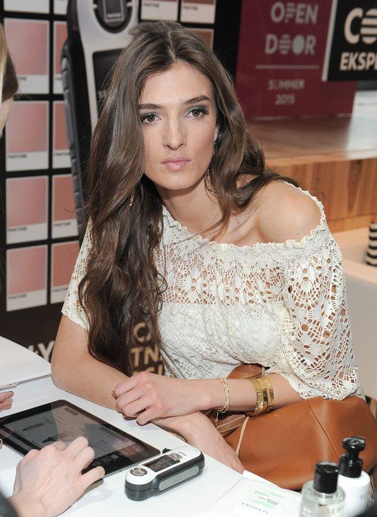 Modelki prezentują letnie trendy w makijażu (FOTO)