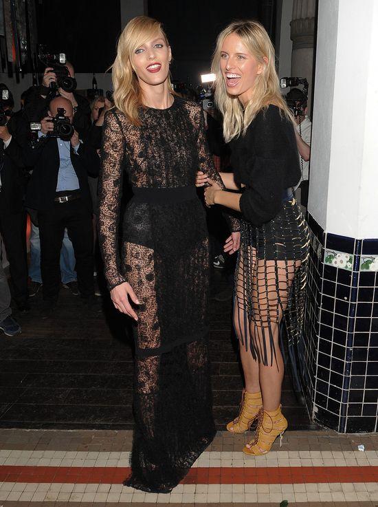 Anja Rubik i Karolina Kurkova w czarnych sukienkach (FOTO)