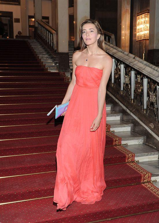 Szykowna Kamilla Baar w sukience maxi (FOTO)