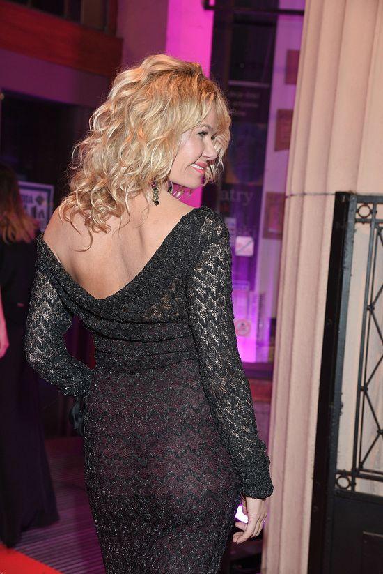 Żona Hollywood Katarzyna Wołejnio zaświeciła stringami