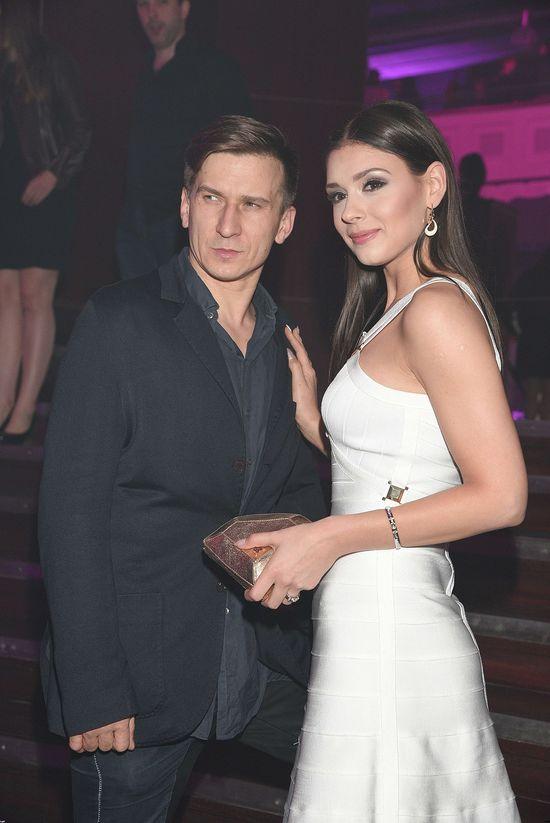 Klaudia Halejcio w białej sukience Yoshe za 400 zł (FOTO)