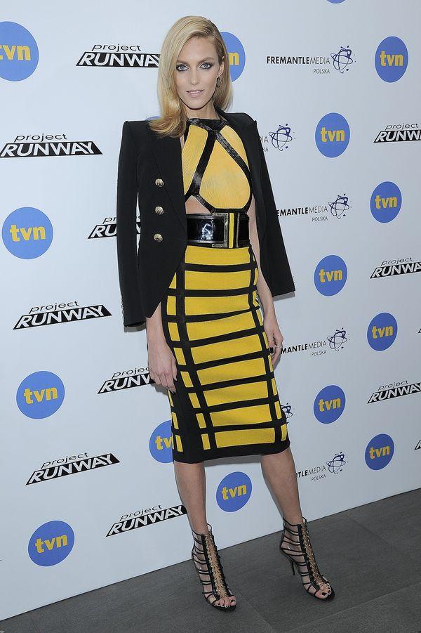 Zjawiskowa Anja Rubik w sukience Balmain na finale PR (FOTO)