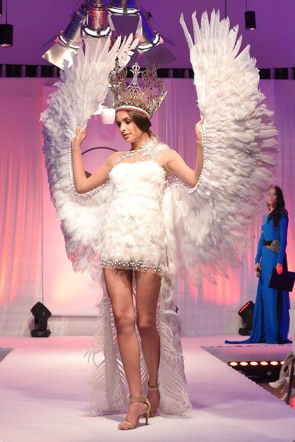 Tak wyglądają projekty strojów Polki na Miss Universe 2015