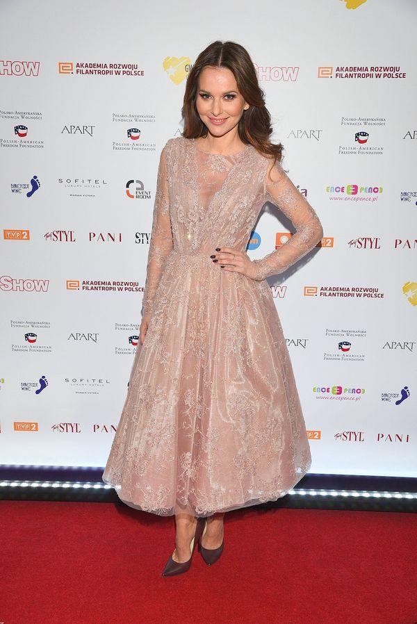 Paulina Sykut jak księżniczka na czerwonym dywanie (FOTO)