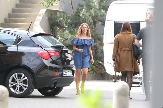 Jessica Mercedes w sukience z falbanką (FOTO)