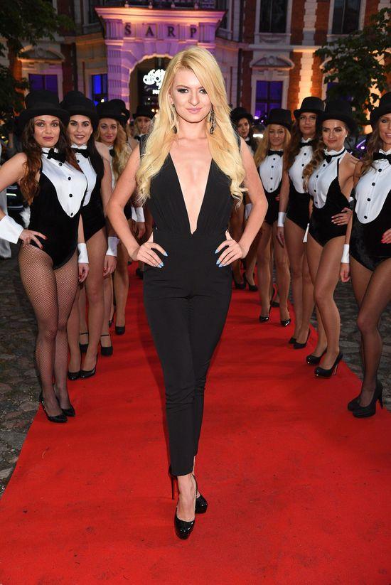 Czy to najseksowniejsza kreacja na imprezie Playboya? (FOTO)