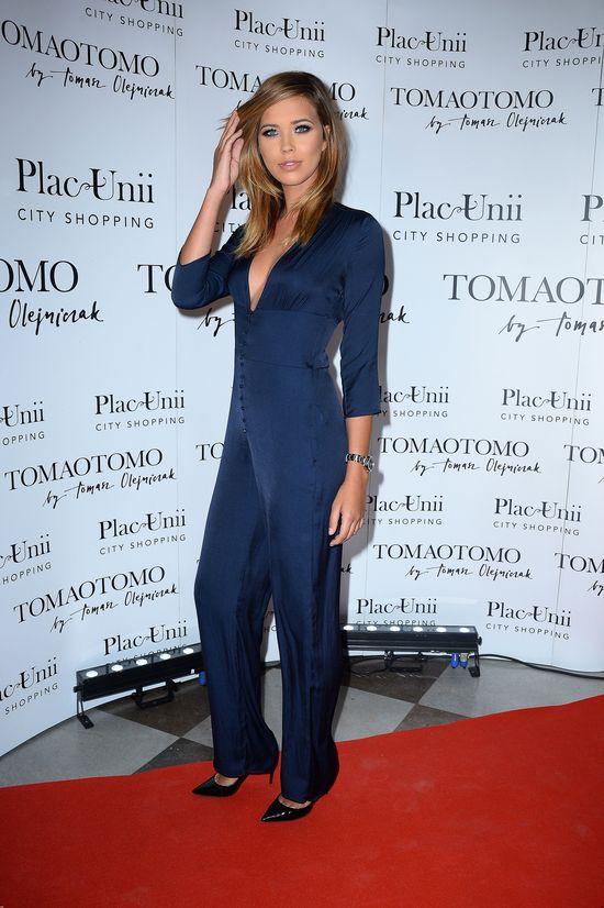 Modelka Victoria's Secret, Sandra Kubicka, na pokazie Tomaotomo (FOTO)
