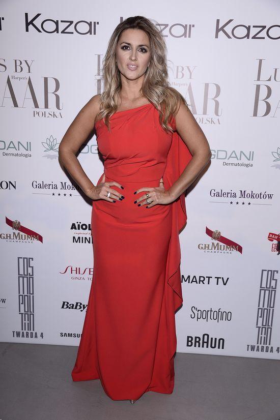 Odchudzona Karolina Szostak w czerwonej sukience zrobiła furorę! (FOTO)