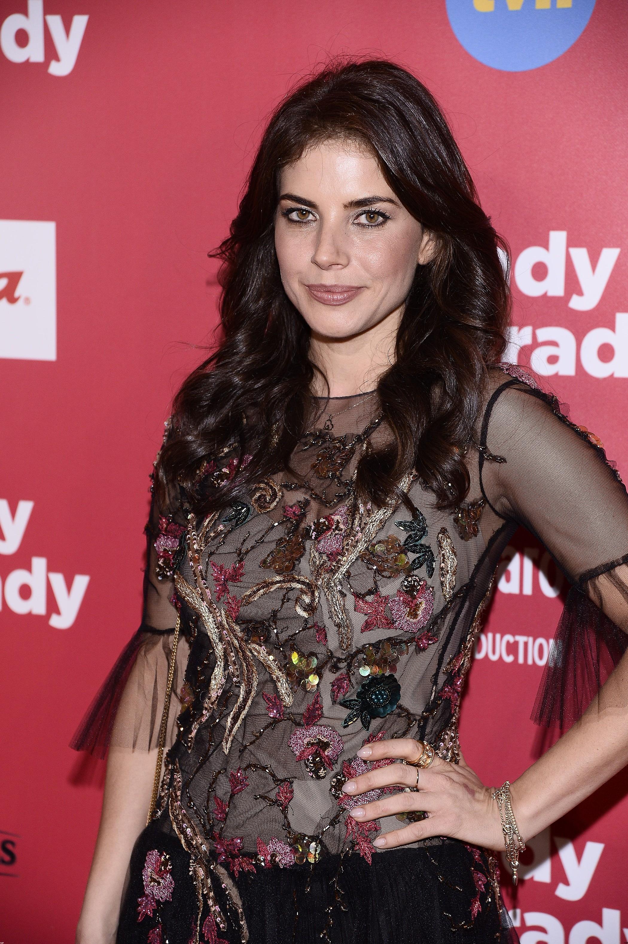 Weronika Rosati na premierę założyła sukienkę idealną na... studniówkę!