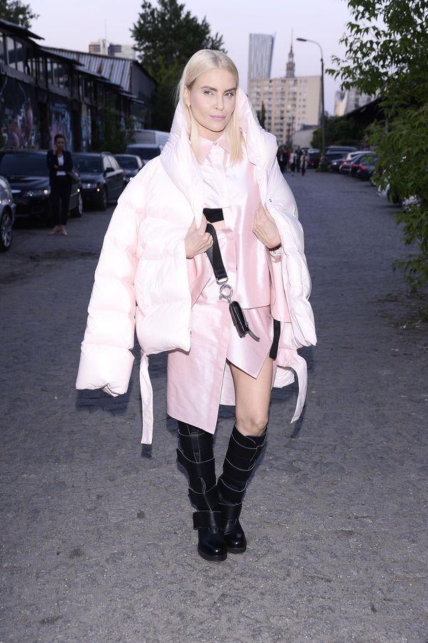 Horodyńska w puchowej kurtce na pokazie MMC - pomyliła pory roku? (FOTO)