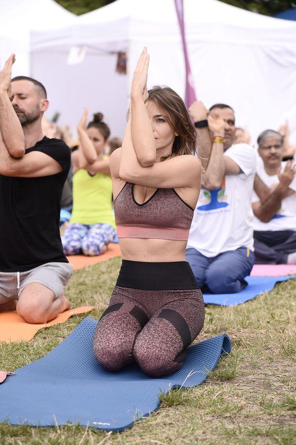 Edyta Herbuś zachwyca stylizacją i ciałem na dniu jogi (FOTO)