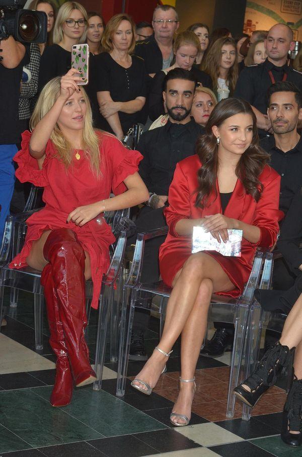 Jessica Mercedes i Julia Wieniawa w podobnych czerwonych stylizacjach (FOTO)