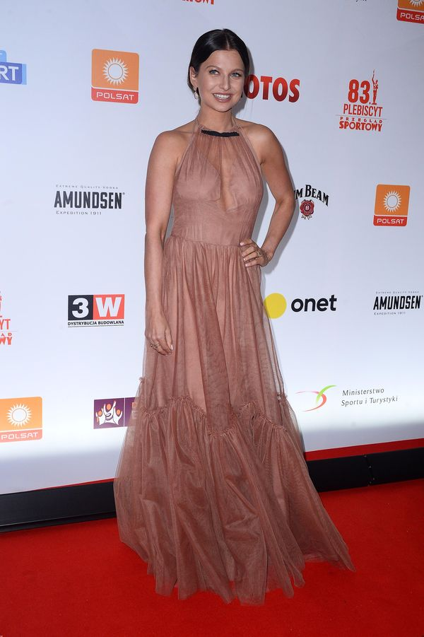 Anna Lewandowska w prześwitującej sukni, przez którą mówią o niej WSZYSCY!