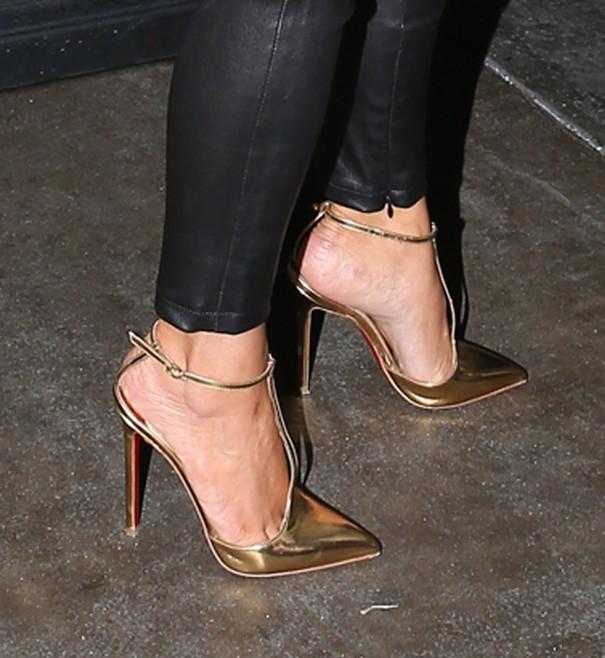 Kim Kardashian w skórzanych spodniach