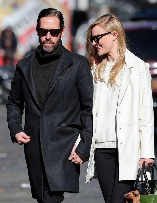 Kate Bosworth w białym płaszczu