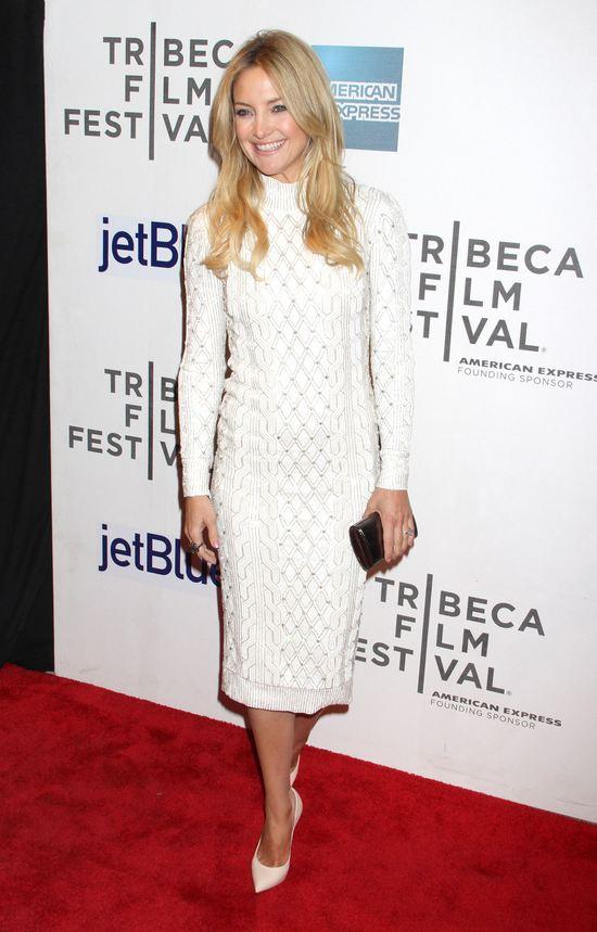 Kate Hudson w eleganckiej małej białej (FOTO)