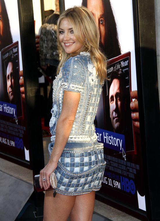 Kate Hudson w krótkiej sukience  (FOTO)