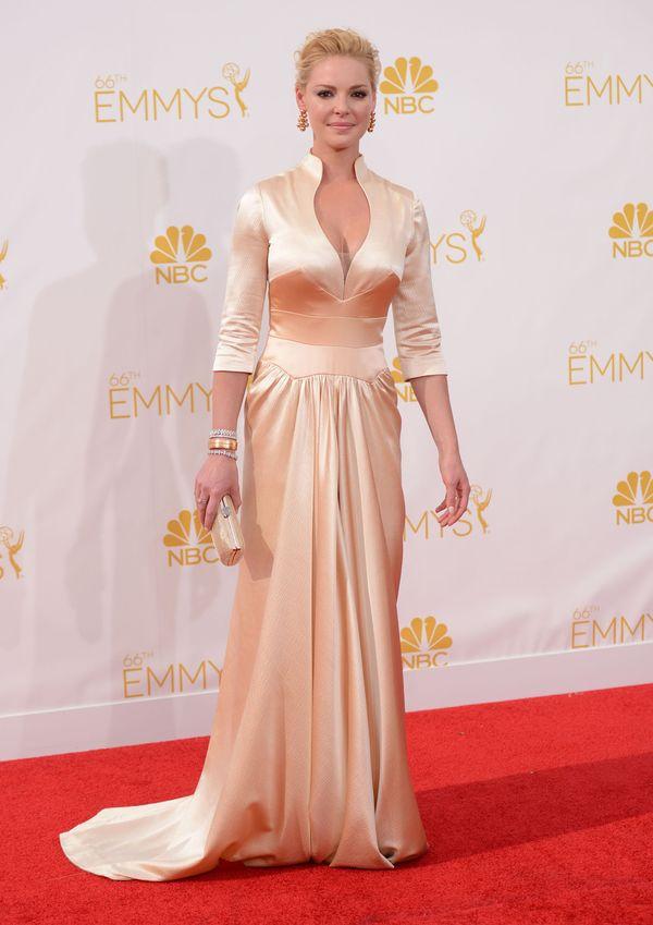 Czerwony dywan - rewia mody na gali Emmy Awards (FOTO)