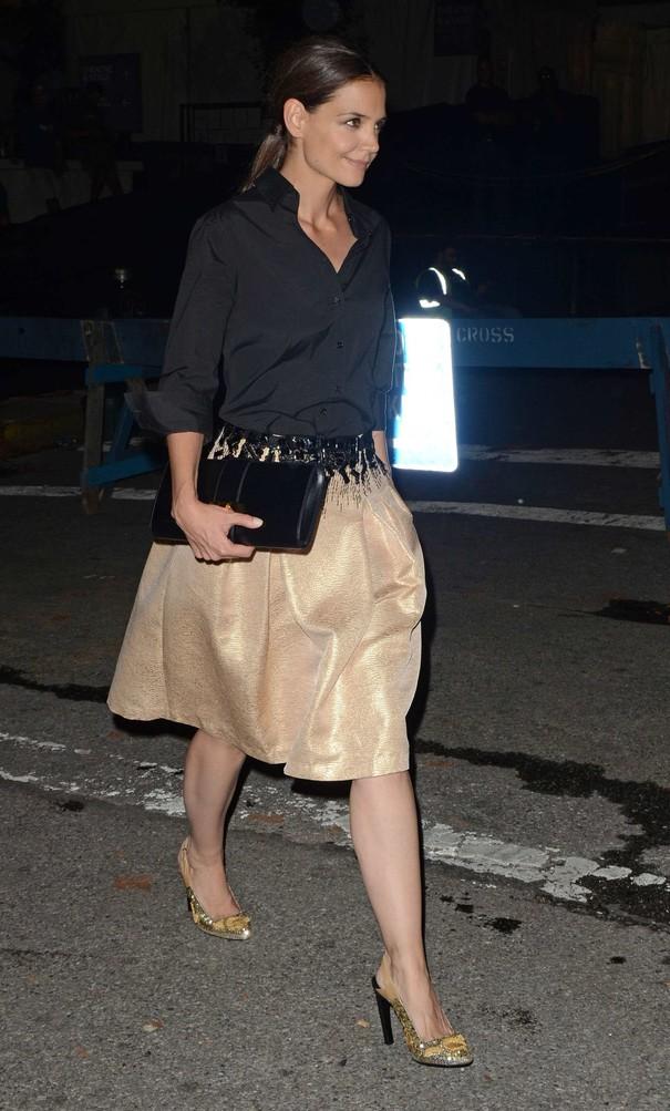 Katie Holmes w eleganckiej stylizacji
