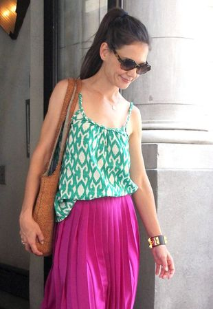 Katie Holmes wybiera baleriny i zwiewne sukienki