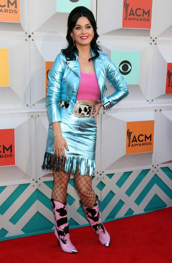 Stylizacja Katy Perry z iHeart Music Awards 2016 to istny koszmar