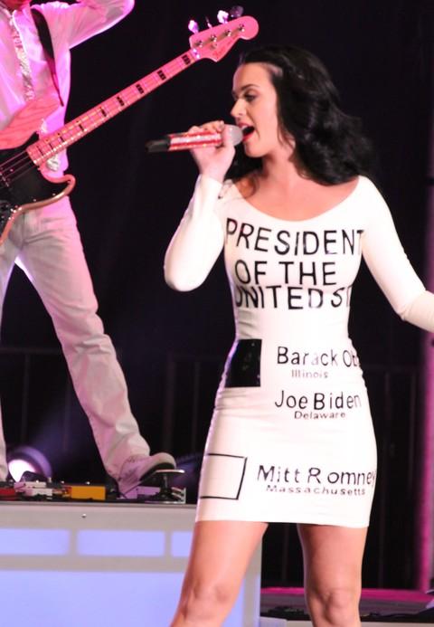 Katy Perry zdradziła strojem na kogo zagłosuje w wyborach