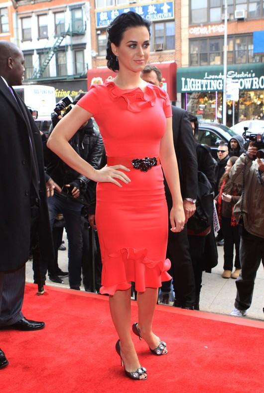 Zalotne falbanki Katy Perry (FOTO)