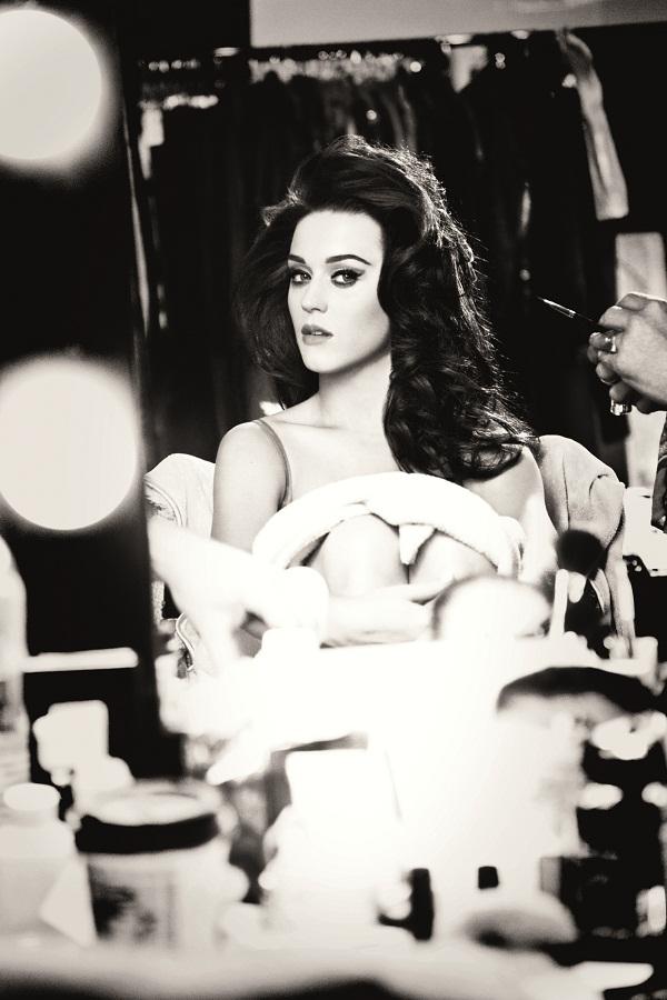 Katy Perry po raz kolejny dla GHD