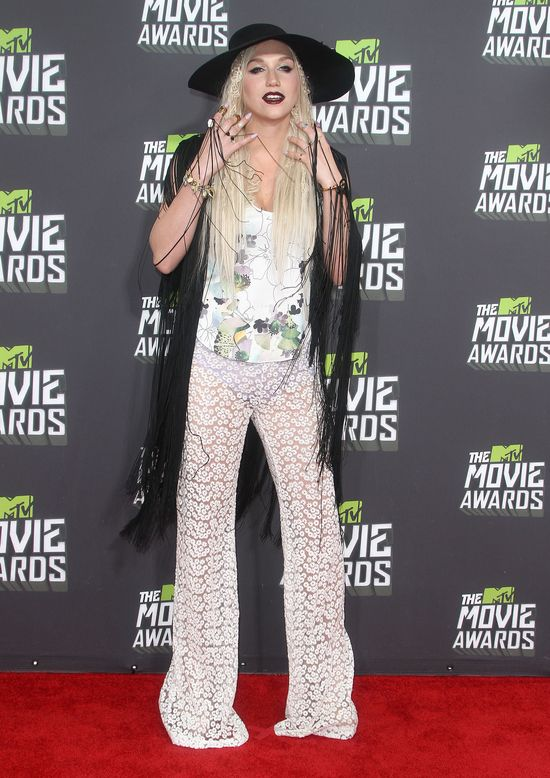 Kreacje gwiazd na gali MTV Movie Awards 2013