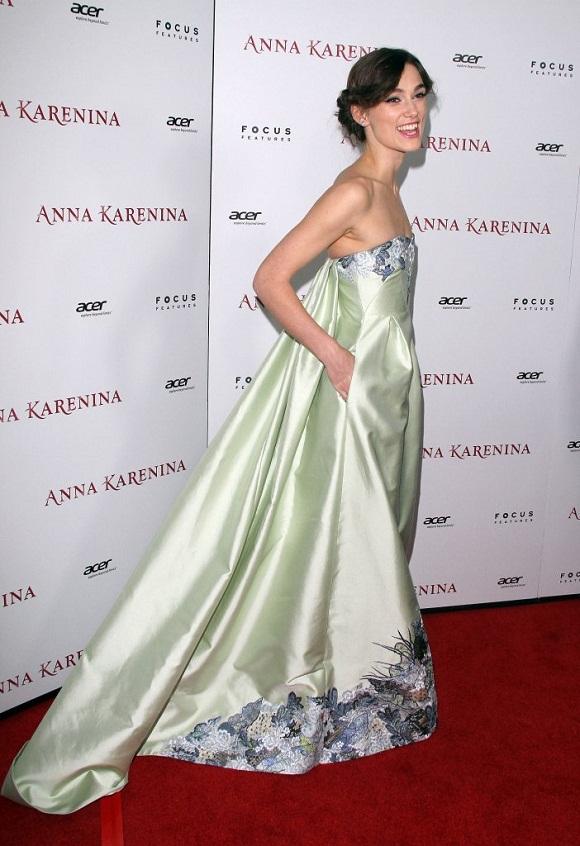 Keira Knightley w pistacjowej sukni Erdem