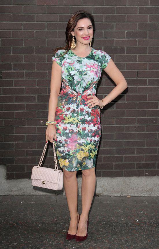 Kelly Brook w kwiecistej sukience