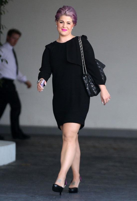 Kelly Osbourne w czerni czy Julianne Hough w bieli?