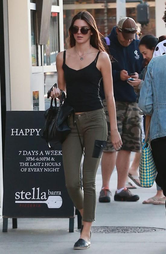 Kendall Jenner w eksluzywnym Society Management