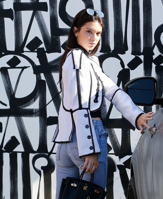 Taka wpadka urodowa?! Dla Vogue'a Kendall Jenner przyznała się do...