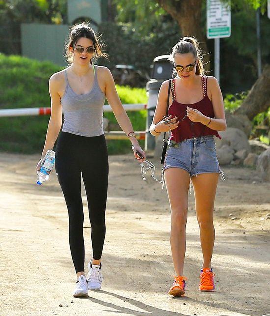 Kendall Jenner i Cara Delevingne całkowicie podbiły Love...