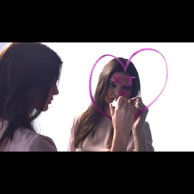 Kendall Jenner została twarzą Estee Lauder! (FOTO)