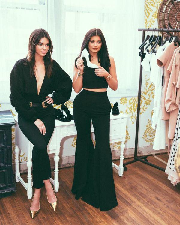 Już jest - pierwsza kolekcja marki Kendall + Kylie (FOTO)