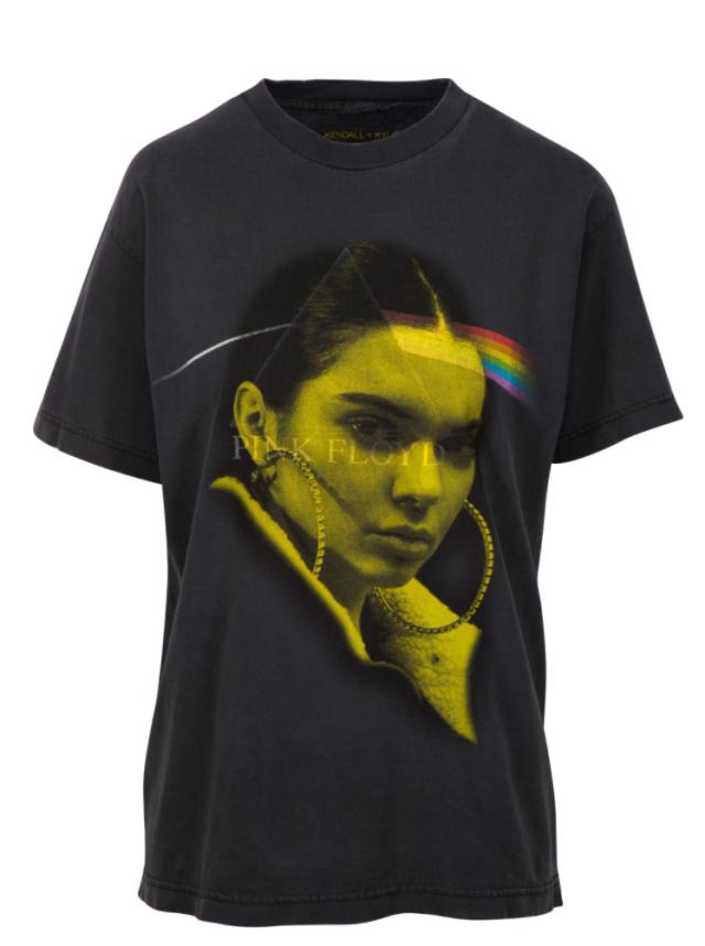 WSTYD! Kylie i Kendall Jenner zmieszane z błotem za nowe koszulki (FOTO)