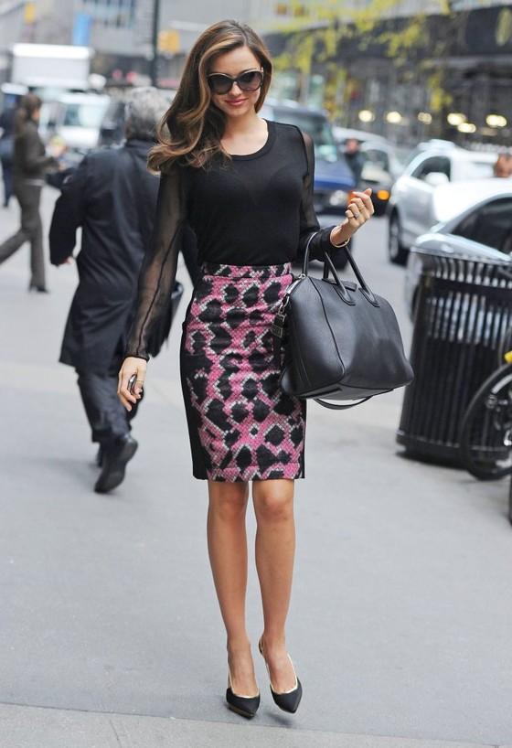 Miranda Kerr w ołówkowej spódnicy