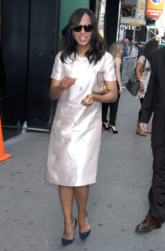 Kerry Washington w sukience Tory Burch