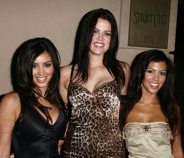 Co Khloe Kardashian zrobiła z twarzą? (FOTO)