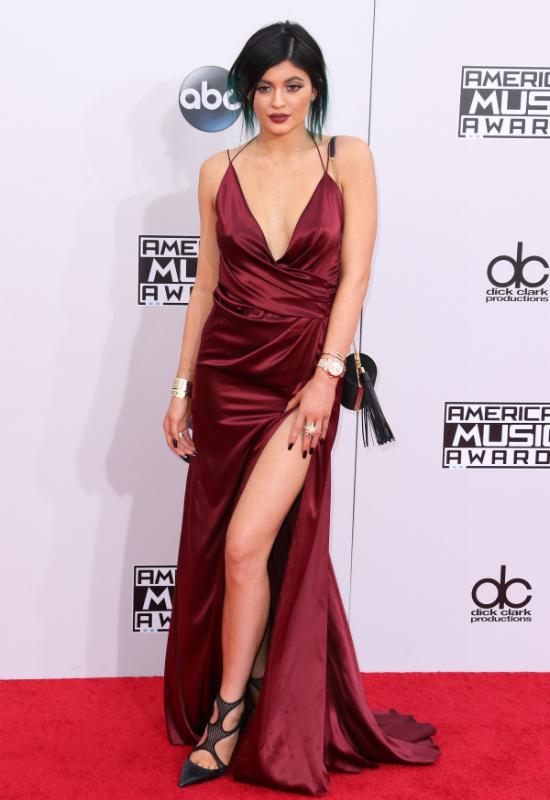 Chirurg rozpływa się nad urodą Kylie Jenner: wyleczyła kobiety z kompleksów!