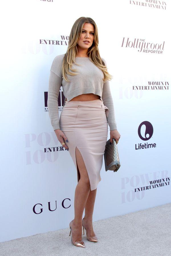 Khloe Kardashian zaczyna 6. miesiąc ciąży! Jej brzuszek jest taki mały! (FOTO)